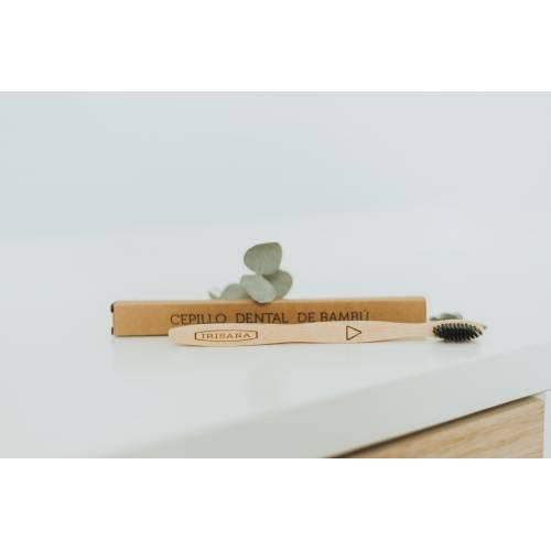 Cepillo Bambú Suave Negro, de Irisana